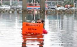 Tips Menghindari Korsleting Listrik Saat Banjir