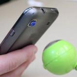 Lampiran Kecil Pada Lensa yang Dapat Merubah Smartphone Menjadi Mikroskop