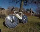 Orang Denmark Ini Rancang Sepeda Bertenaga Matahari